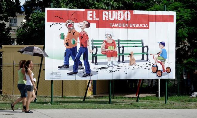 Imagen racista en calle de La Habana