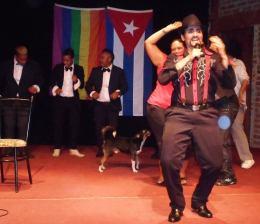¿Quién dice que no hay mujeres transformistas enCuba?