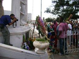 Los mártires del 27 de noviembre son trece noocho