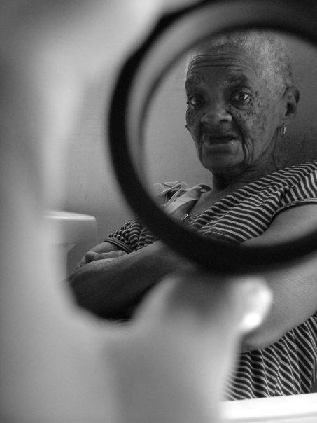 """Fotografía de la serie """"Por el hueco de la aguja"""" Se Sahily Borrero."""